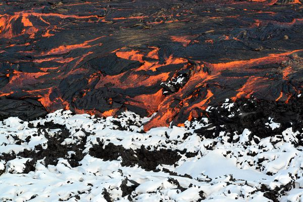 fire-and-ice-glaciers-lava-overview_67146_600x450