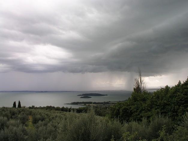 lago-Trasimeno-pioggia