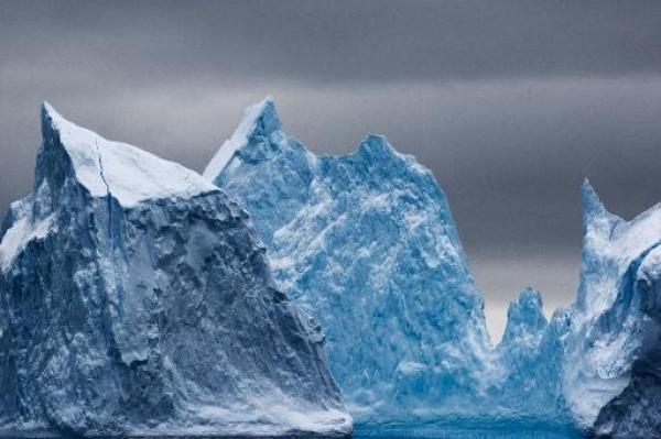 1227-antartica-rescue-blizzard_600_399_100