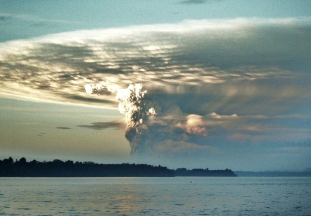 volcano_puyehue_05_06_2011_by_deghistof-d3i7eot